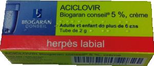 Aciclovir herpès labial